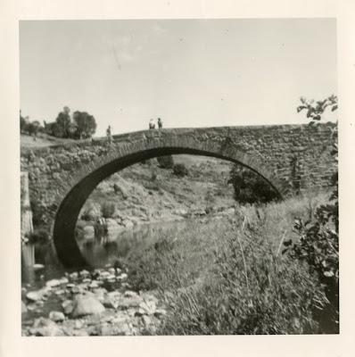 Photo à identifier, un pont de pierre.