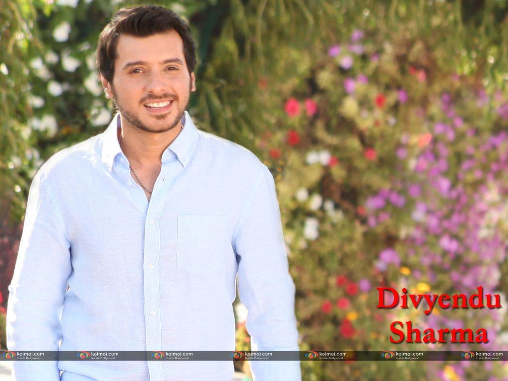 Divyendu Sharma Look