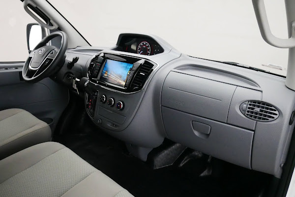 Maxus EV80 - Van Elétrica chinesa