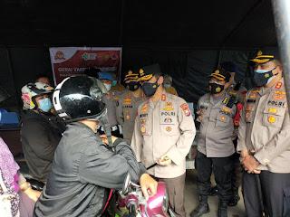 Kapolda Sulsel Cek Gerai Drive Thru Vaksin Presisi di Polres Pelabuhan Makassar