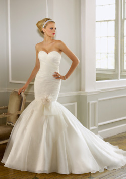 e09eae30ac4af فساتين زفاف 2012 - عالم حواء. فساتين زفاف رقيقة التصاميم اتمني تعجبكم