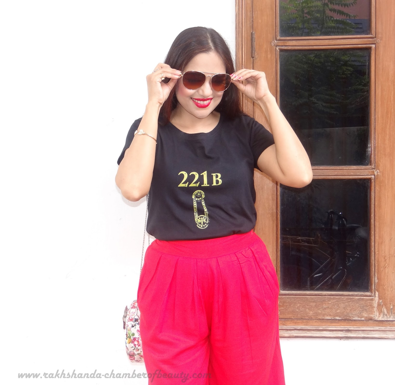Culottes again- OOTD   5 style tips to wear Culottes, how to wear culottes, fashion trends 2015, Stalkbuylove, floral bag from SBL, Indian fashion blogger, Chamber of Beauty