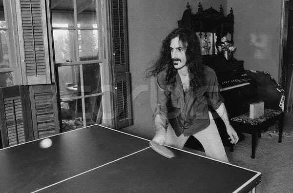 Interesting Vintage Photos Of Famous Musicians Playing
