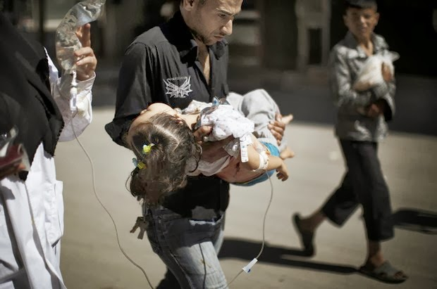 The father saving his daughter's life in Syria