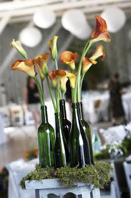 Centro de mesa decorativo com garrafas de vidro!