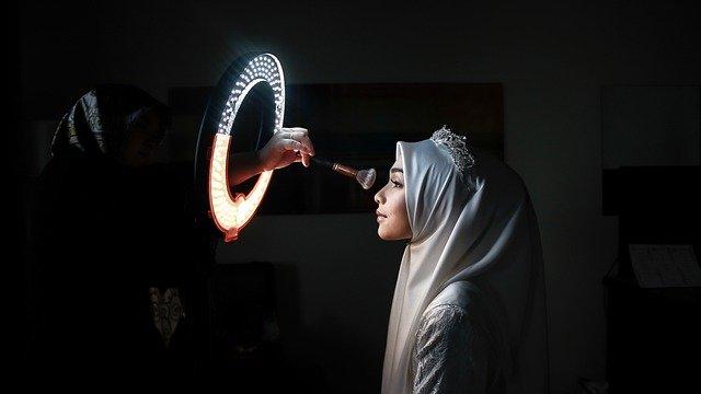 woman-bride-veil-make-up
