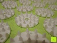 Zacken: Akupressur-Set »Jimuta« / Tasche + Matte + Kissen / Akupressur- und Massagematte zur effektiven Lockerung und Lösung von Verspannungen / in verschiedenen fröhlichen Farben erhältlich.