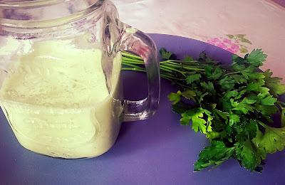 Jogurt pietruszkowy