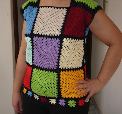 Crochê e patchwork  Inspirado pelos movimentos estudantis na França em 1968, o look da temporada é uma versão atualizada do hippie chic.