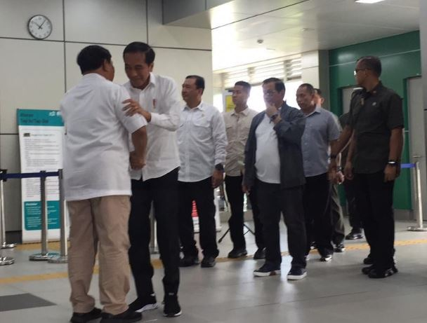 TKN mengungkapkan pertemuan Jokowi-Prabowo di MRT hampir dibatalkan
