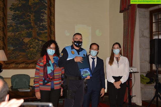 El Cabildo de La Palma reconoce la labor de los efectivos que extinguieron el incendio forestal de Garafía
