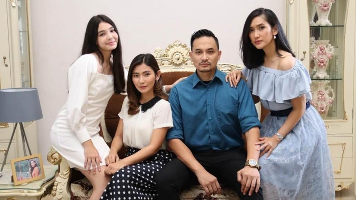 Tirta dan ketiga istrinya