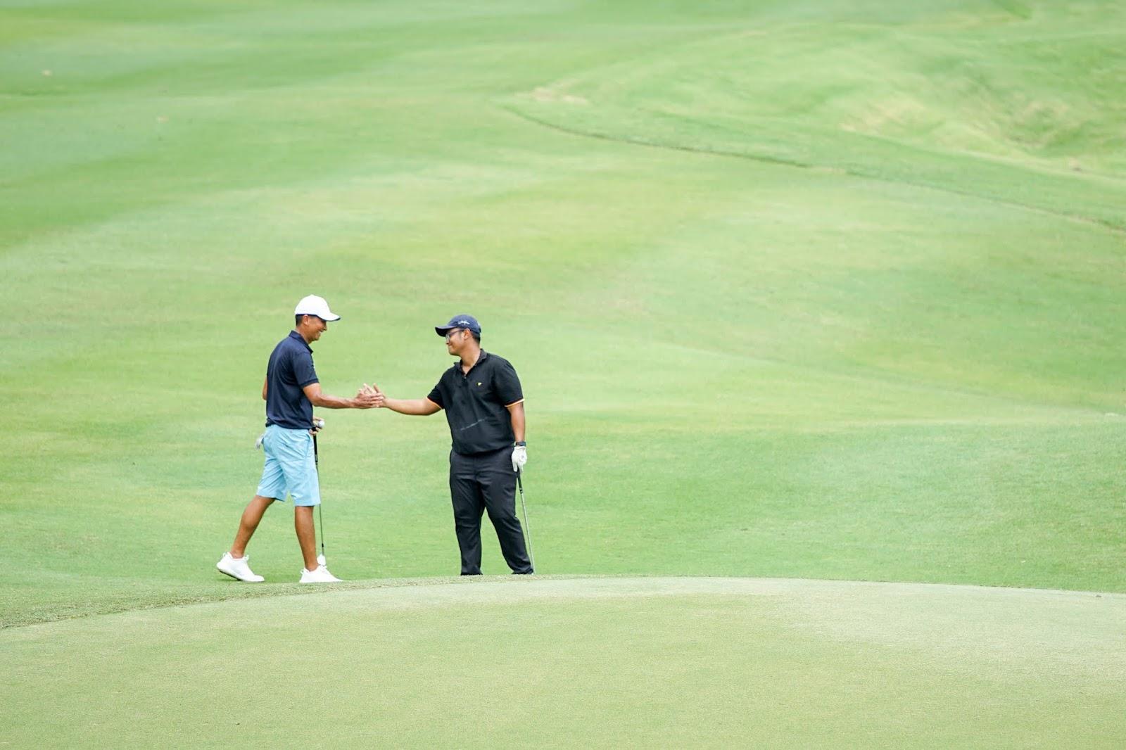 Tim golf, Berkompetisi di lomba golf Jack Nicklaus