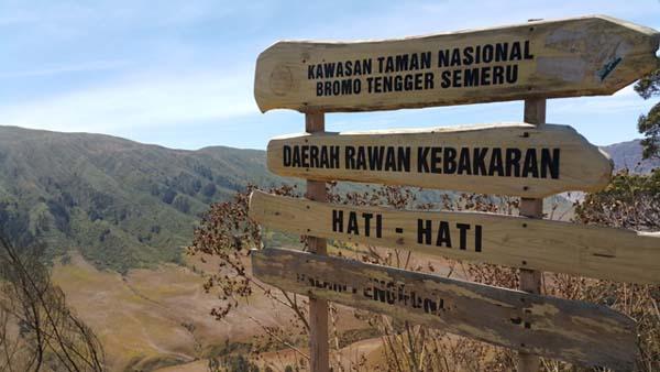 Hati-hati ya sob di Taman Nasional Bromo Tengger Semeru