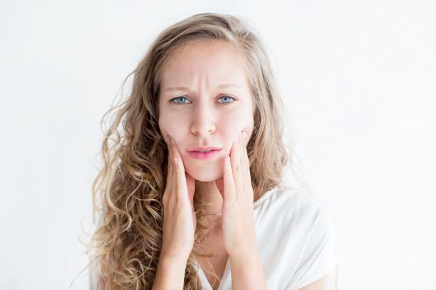 كيفية علاج الجلد الجاف طبيعيا