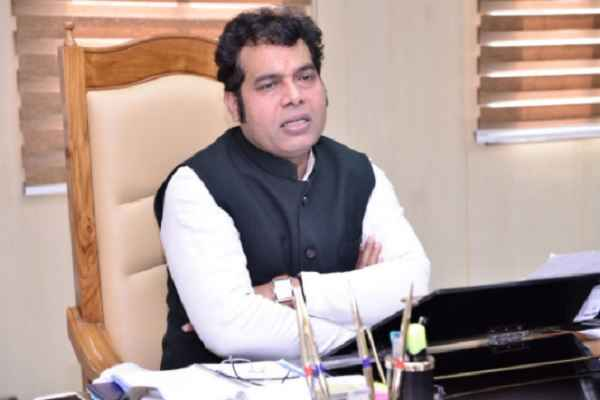 up-minister-shrikant-sharma-praised-up-law-and-order-in-yogi-sarkar