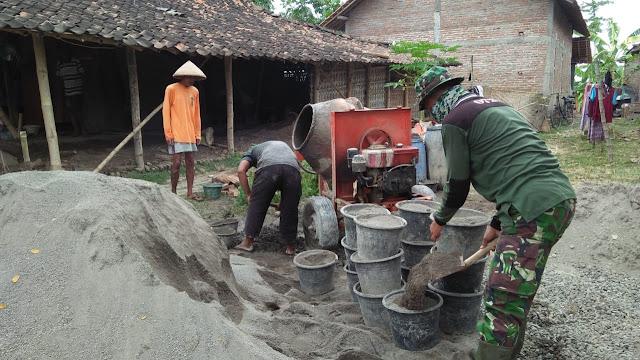 Peduli Warga Kurang Mampu Babinsa Koramil 22 Wonosari Bantu Rehap RTLH