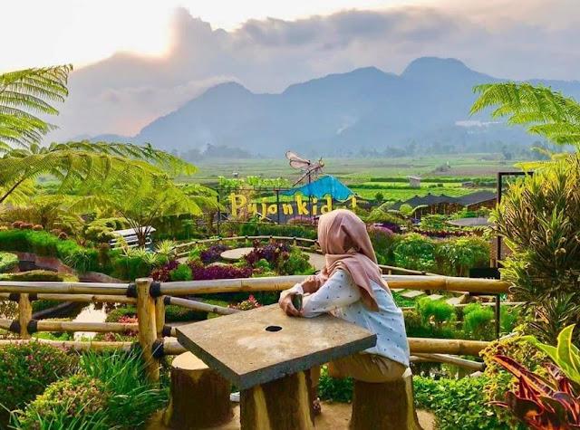 wisata Cafe Sawah Pujon Malang