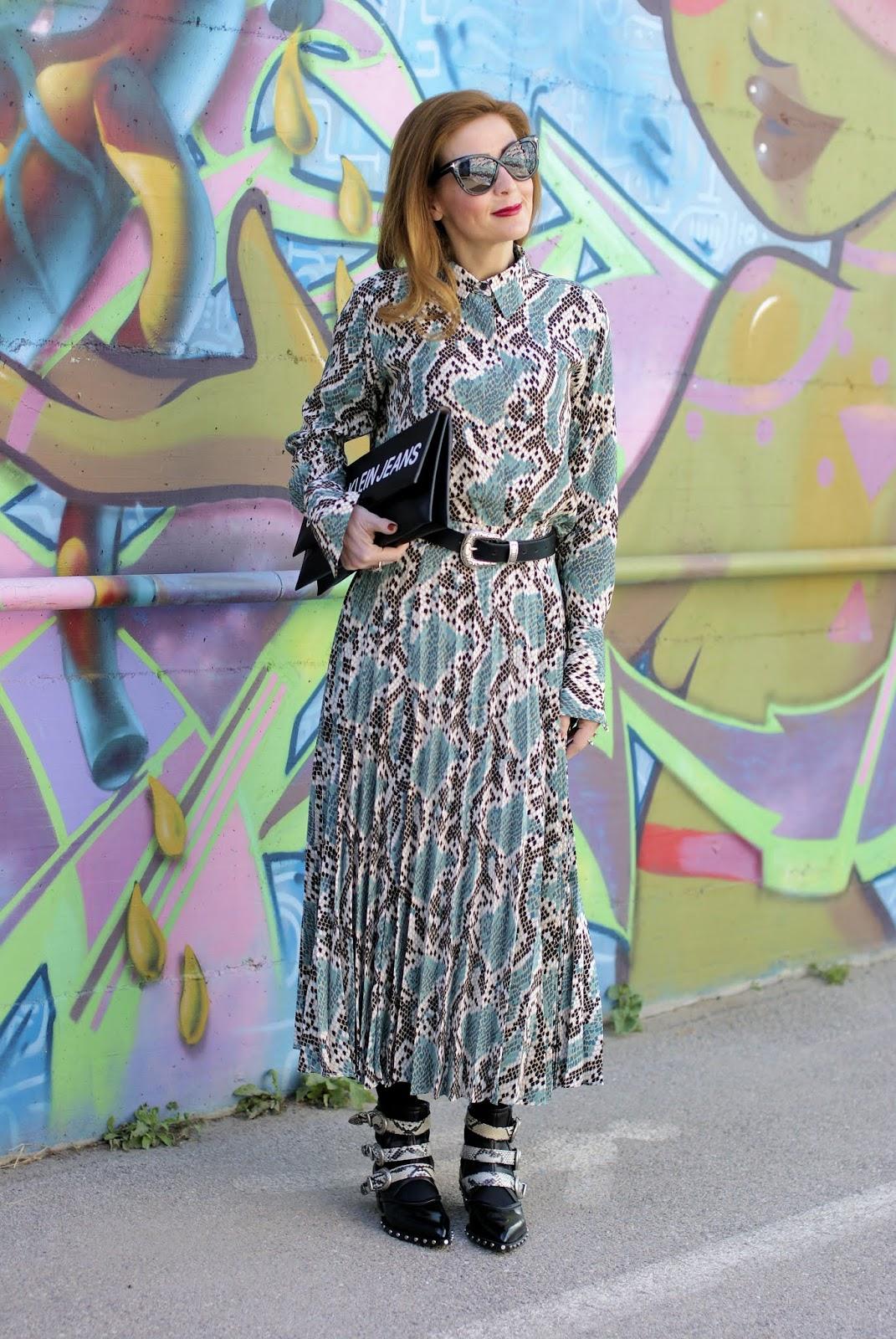 Snakeskin print is a hot trend: my python print outfit on Fashion and Cookies fashion blog, fashion blogger style