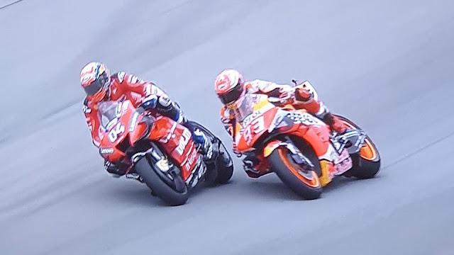 Dovizioso vence com ultrapassagem magistral para cima de Marquez na última curva na Áustria