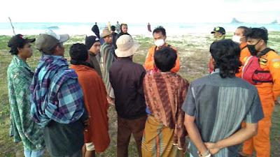 Basarnas Mataram Cari Pelajar Terseret Ombak di Pantai Mekaki