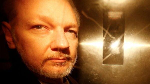 Assange es trasladado al hospital de la prisión de Belmarsh