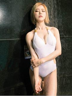 Gái xinh facebook DJ Soda bikini lộ núm