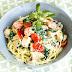 Spaghetti mit Pute,Spinat und Tomaten in einer Basilikumsauce - Pastaliebe im März