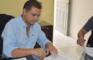 Marcus assina contrato para reforma e ampliação de escolas em Guarabira