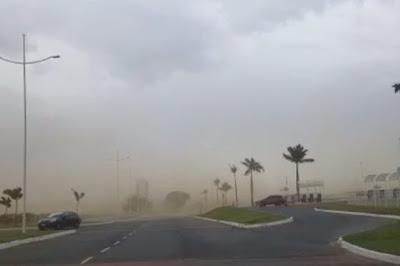 """VÍDEO: Tempestade """"de areia"""" causa pânico na Zona Leste de Vitória da Conquista-BA"""