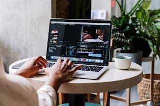 9 Best Laptops For Adobe Suite 2020 [Best Laptops Buyer's Guide]