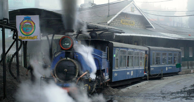 Buffer Zone defined for DHR in crucial meeting between Railways and UNESCO