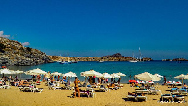 Praia na Vila de Lindos, Ilha de Rodes, Grécia