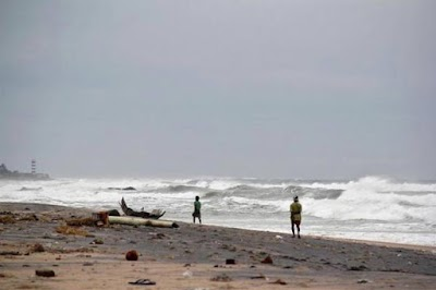 तमिलनाडुः 'वरदा' ने ली 5 की जान, राहत-बचाव के लिए सेना से मांगी मदद