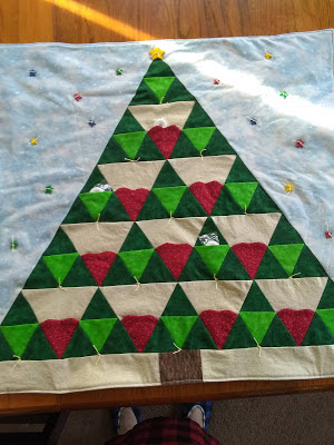 green and red tree advent quilt