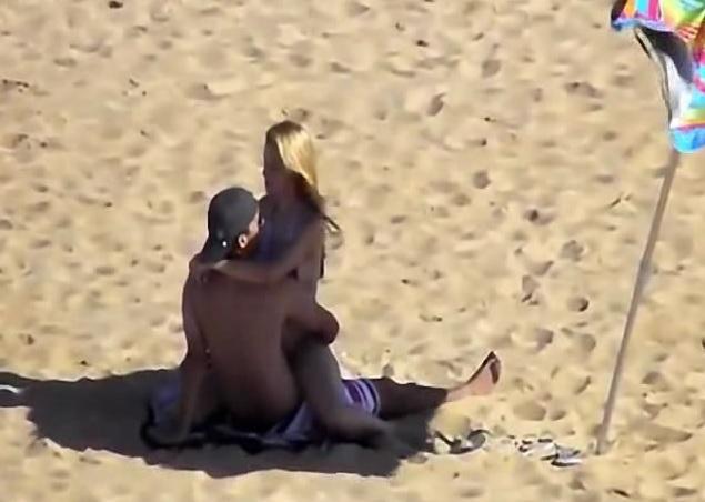 Flagrante de Sexo na Praia