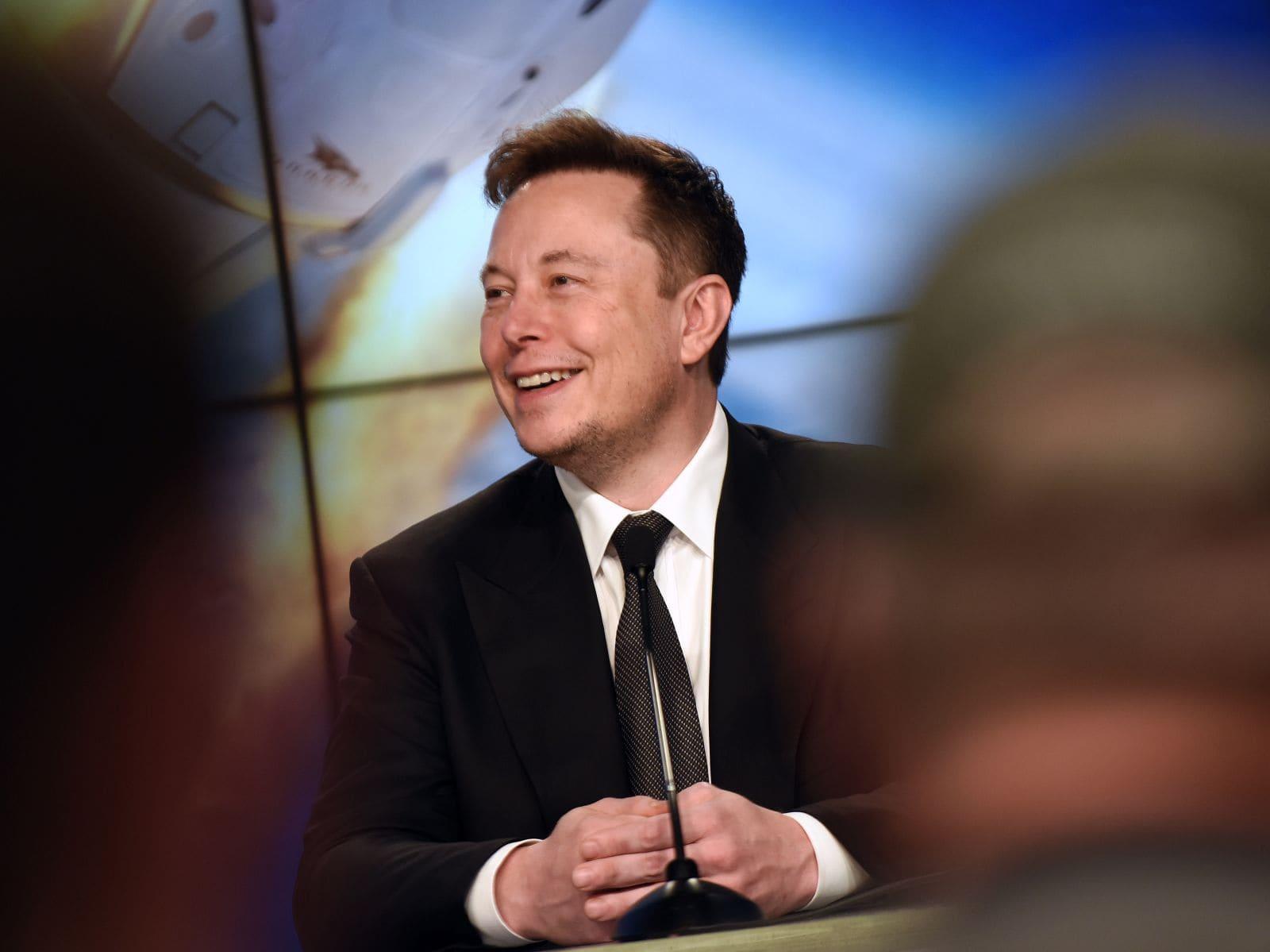 Elon Musk en escenario