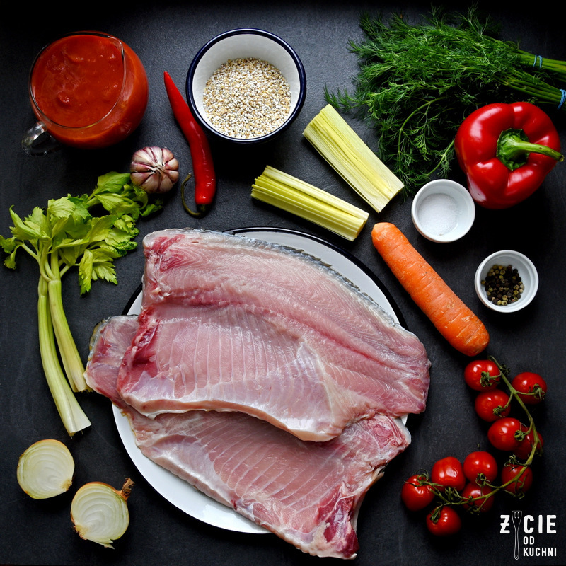 karp bio, karp, ryby z serca natury, dania z karpia, pulpety z karpia, karp pieczony, karp smażony, karp wedzony, gospodarstwo rybackie zawolcze, zawolcze, filet z karpia, plat karpia,