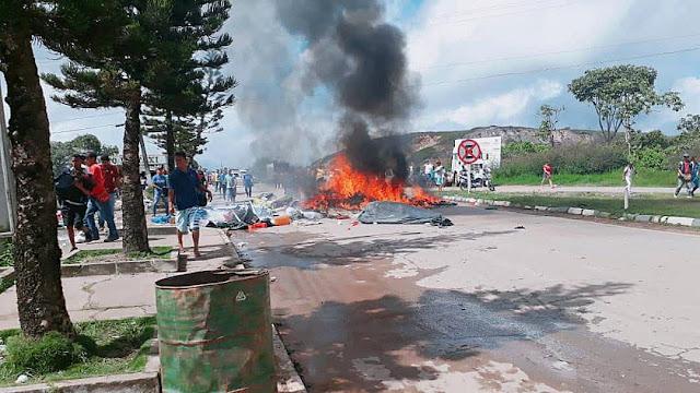 LA HUMANIDAD , PRINCIPALES 18 AGOSTO, 2018 Brasileños queman carpas y expulsan a venezolanos de refugios improvisados en Pacaraima
