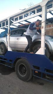 Jasa pengiriman mobil menggunakan car carrier sampai jakarta lalu kapal roro sampai medan.