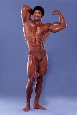 Gay bodybuilder nude posing free sex pics