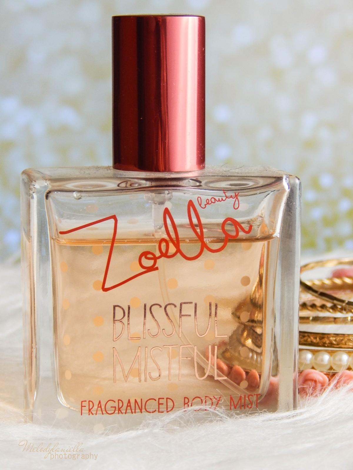 Zoella Blissful Mistful perfumy Zoella Beauty Superdrug recenzja kosmetyki Zoe Sugg moje ulubione perfumy na zimę melodylaniella style lifestyle blog ciekawe zapachy perfumy angielskie