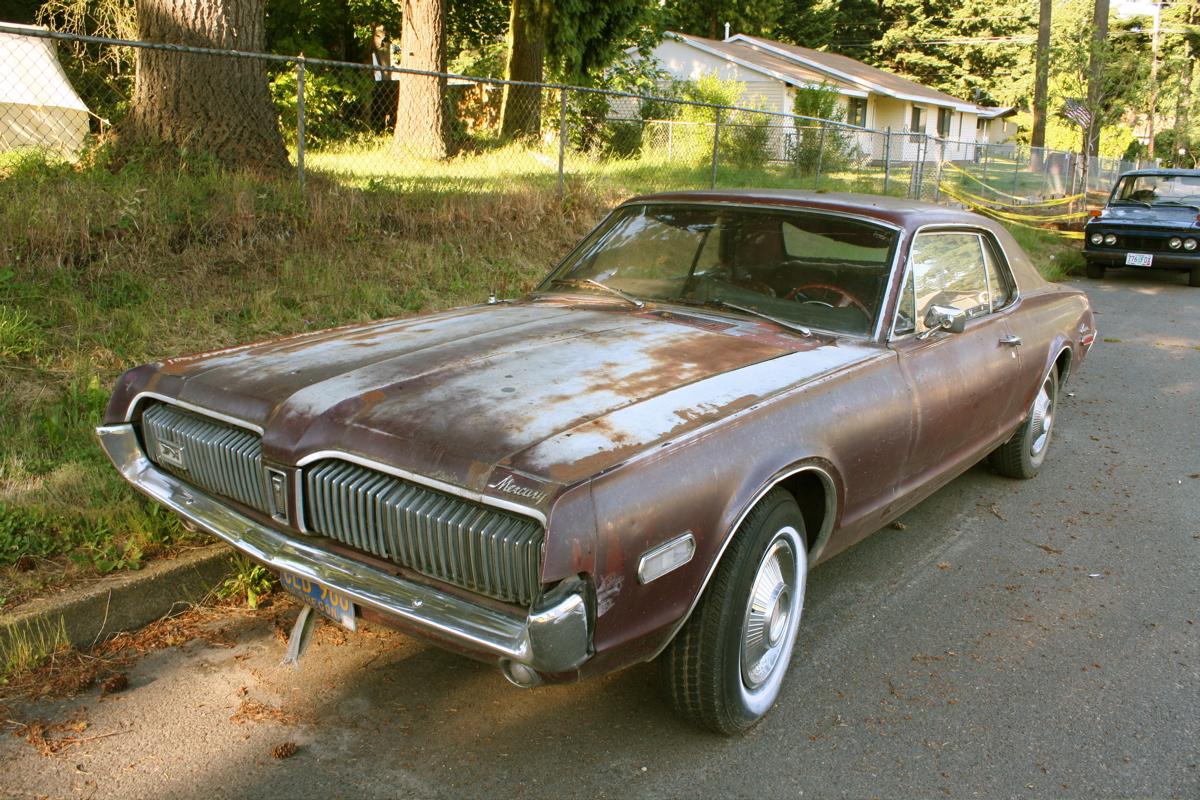 old parked cars 1968 mercury cougar. Black Bedroom Furniture Sets. Home Design Ideas