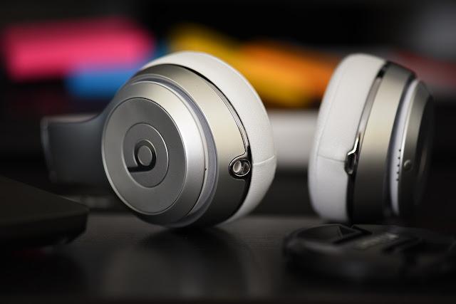 jangan memakai earphone sambil tiduran