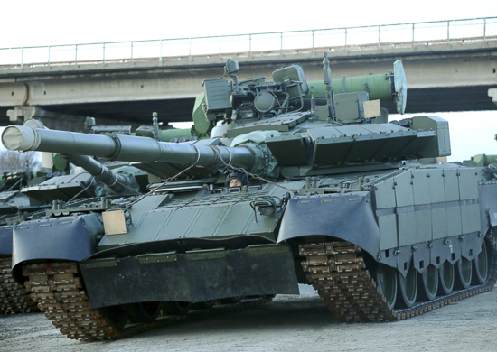 The T-80s future in the Russian Army - Page 13 T-80bvm_emd_3