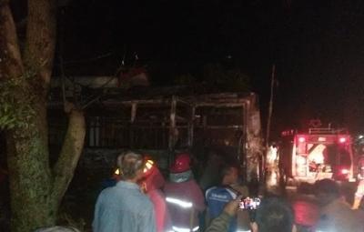Bus Pariwisata Danau Toba Terbakar di Siantar, Kapolsek: Kita Selidiki Penyebabnya