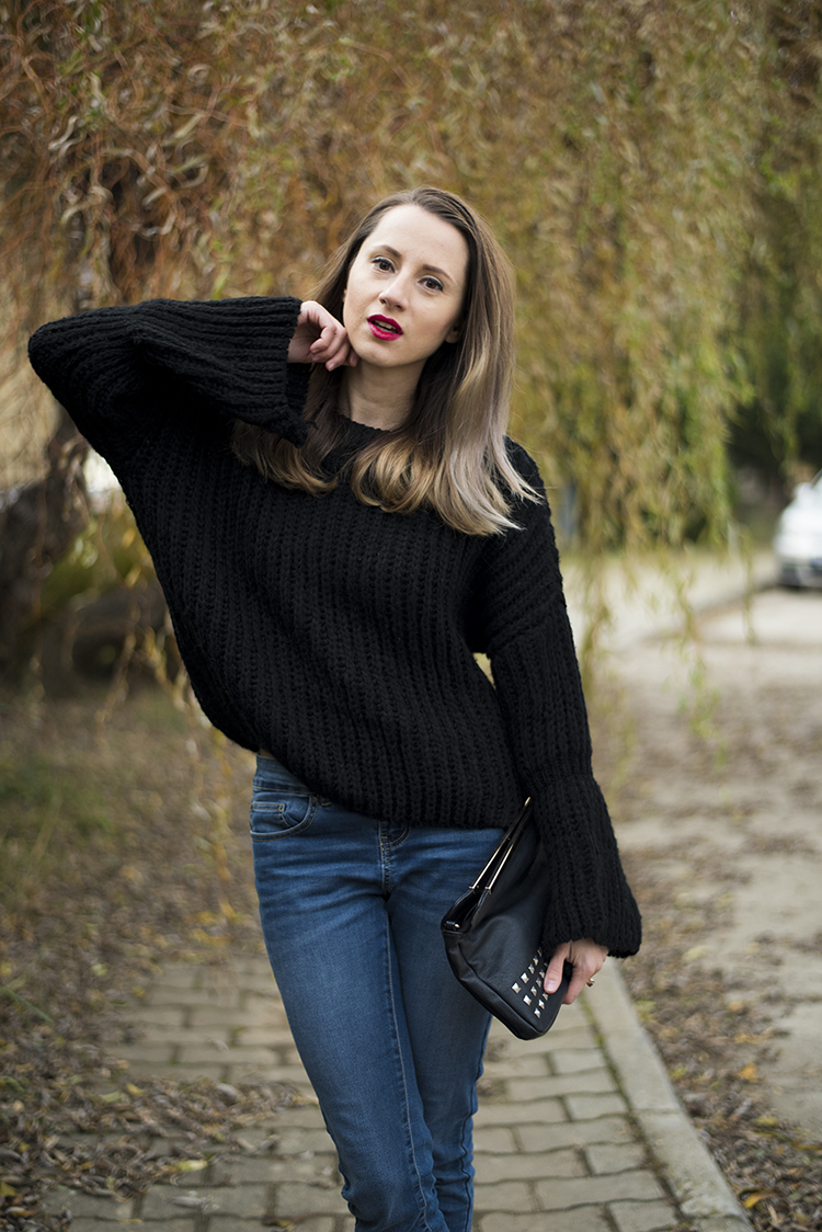 bell sleeve black chunky sweater