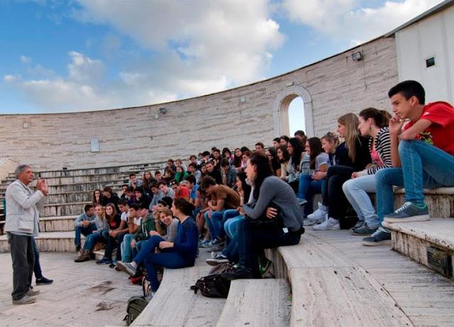 """1500 μαθητές από την Κάτω Ιταλία με το """"Διάζωμα"""" στην Πελοπόννησο"""