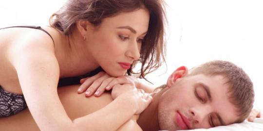 10 Tanda Kamu Memiliki Sifat Clingy dengan Pasanganmu, Apa Saja?