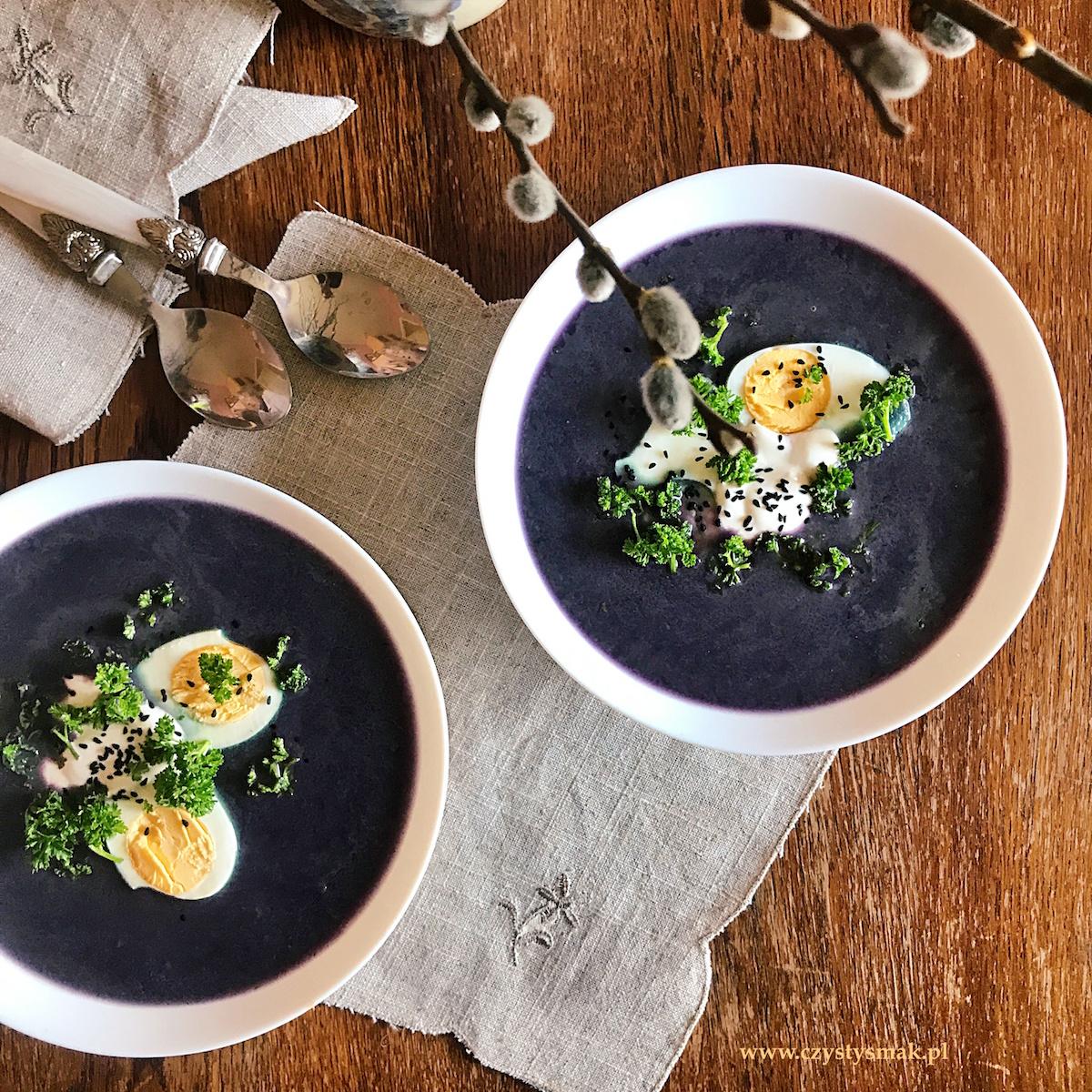 Fioletowa zupa krem warzywna